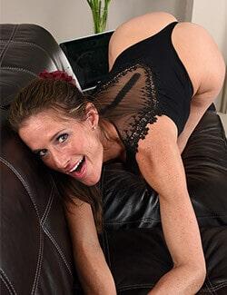 https://live-sex-cams.livesextesten.com/